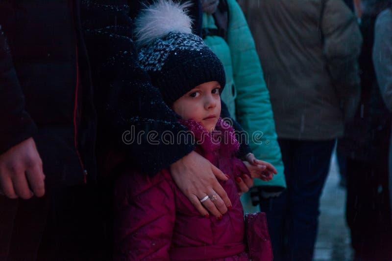 27 Maart 2018, RUSLAND, VORONEZH: De actie van het herdenken van de slachtoffers van de brand in het winkelcentrum in Kemerovo stock foto