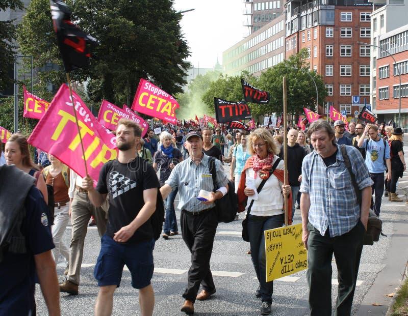 Maart tegen TTIP en CETA stock foto