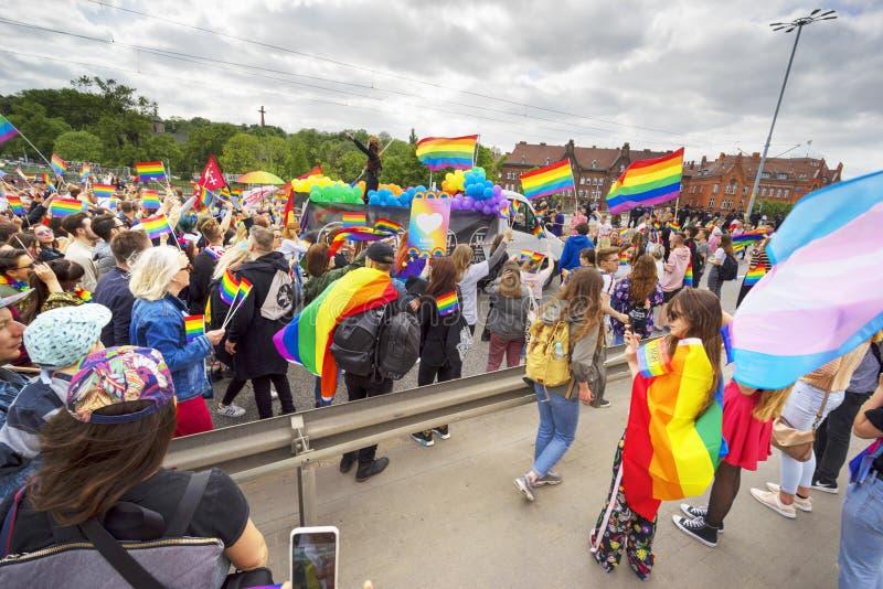 Maart van gelijkheid en tolerantie aan LGBT-mensen in Europa stock fotografie