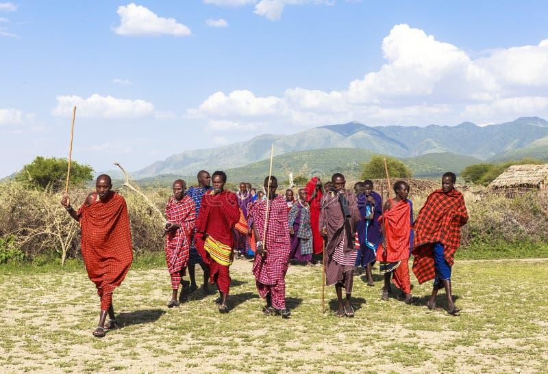 Maasai ludzie w Masai Mara parku narodowym fotografia stock