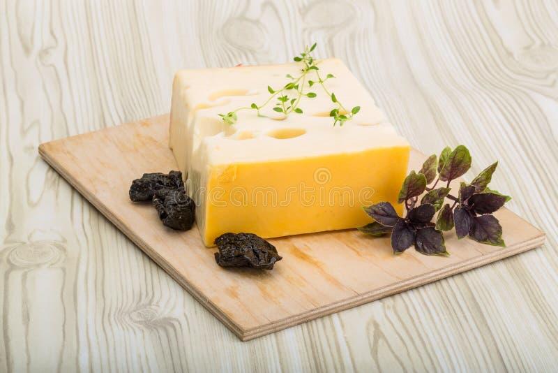 Download Maasdam de fromage photo stock. Image du fond, sain, panneau - 45358596