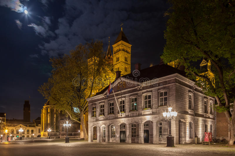 Maastricht vid natt royaltyfri foto