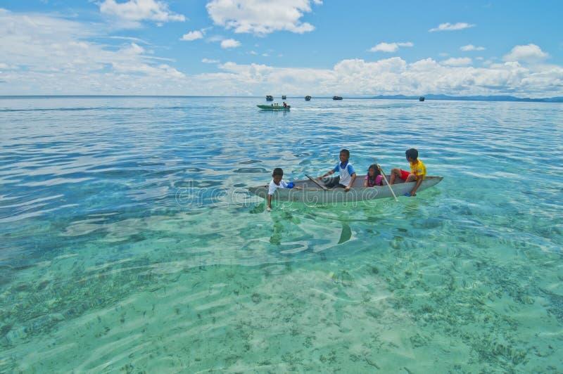 MABUL wyspa MALEZJA, WRZESIEŃ, - 20th 2012: Niezidentyfikowany Denny b obrazy stock