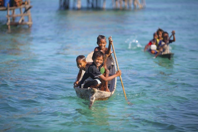 MABUL wyspa MALEZJA, WRZESIEŃ, - 20th 2012: Niezidentyfikowany Denny b zdjęcia stock