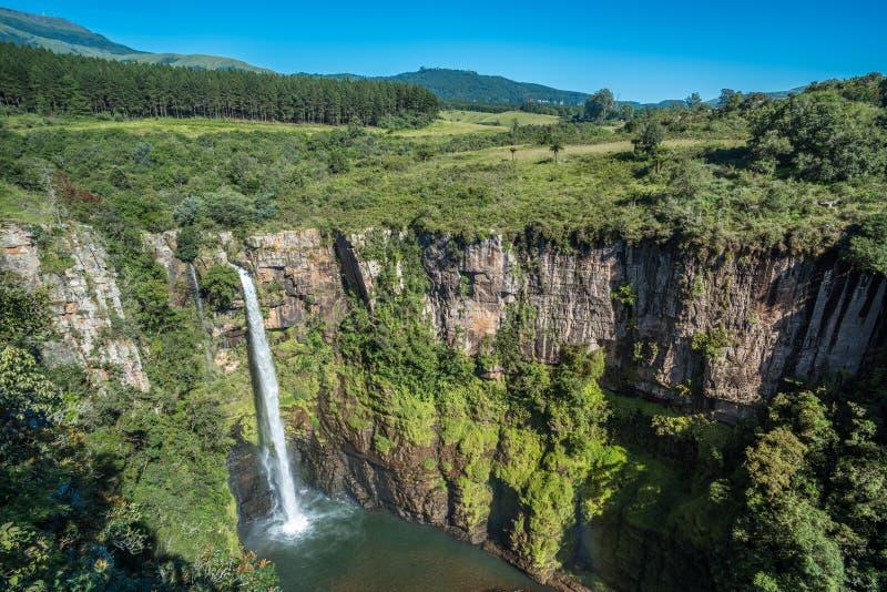 Mac Mac cai na ?rea de Sabie, rota do panorama, Mpumalanga, ?frica do Sul imagens de stock royalty free