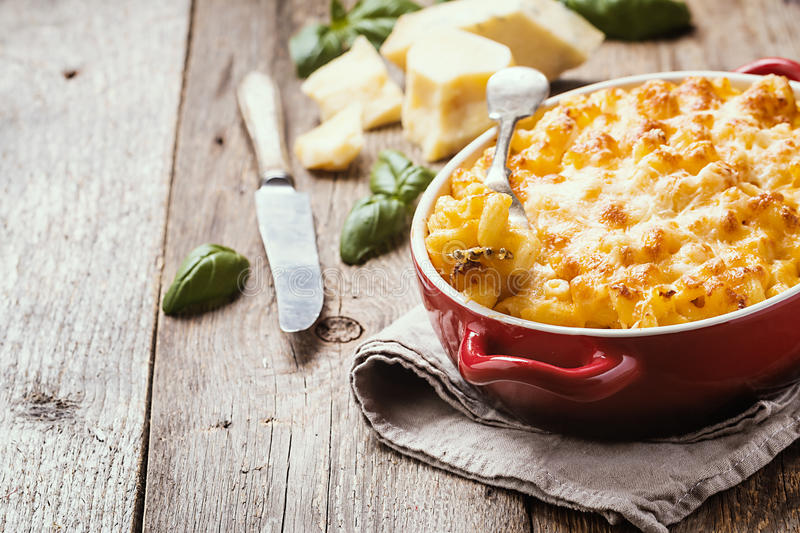 Mac and cheese, american style pasta stock photo