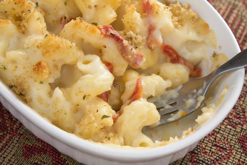 Mac e queijo do tomate imagens de stock