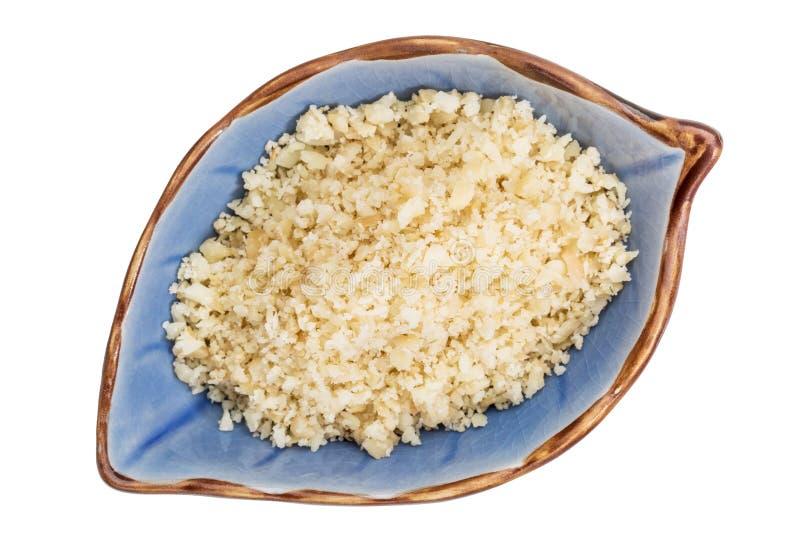 Macadamia dokrętki mąka w pucharze fotografia stock