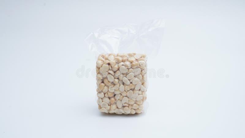 Macadamia Nut w próżniowym plastikowym worku na białym tle 21 obrazy royalty free