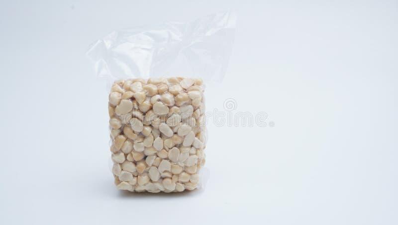 Macadamia Nut w próżniowym plastikowym worku na białym tle 21 zdjęcia royalty free