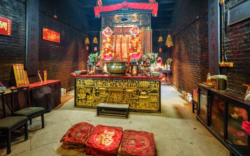 Macao - 24 de enero de 2016: Un interior de menor importancia del ` s del templo budista en el centro histórico de Macao dispone  fotos de archivo libres de regalías