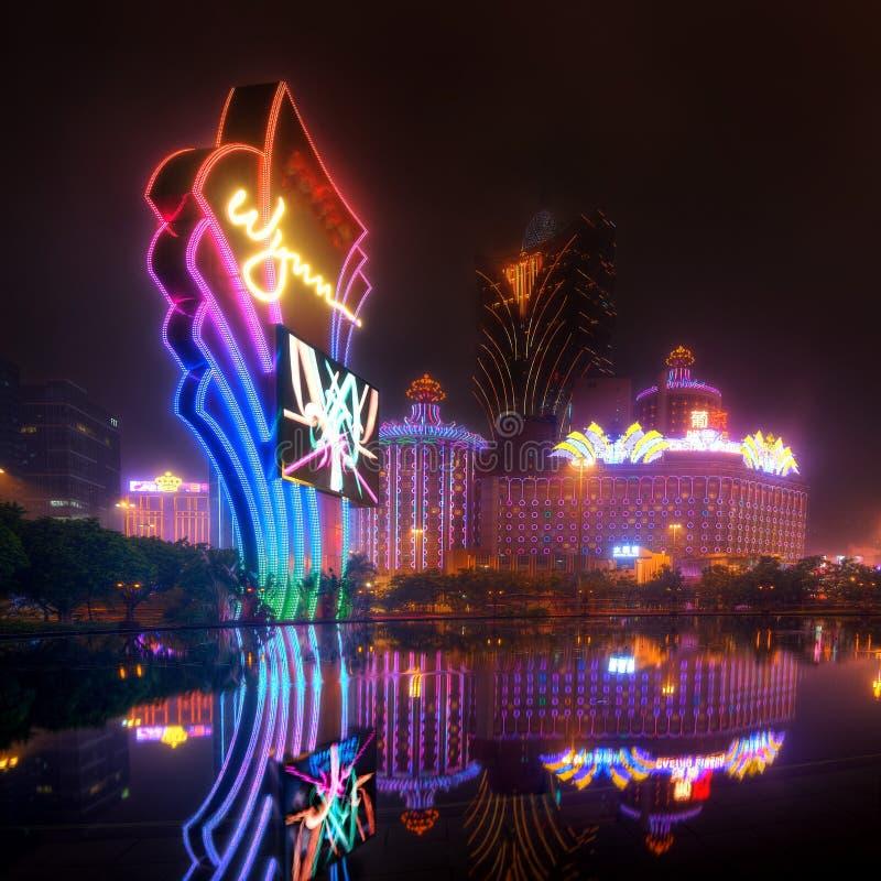 Macao kasino på natten royaltyfria foton