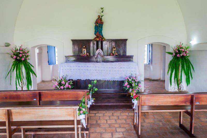 MACAPA, БРАЗИЛИЯ - 31-ОЕ ИЮЛЯ 2015: Интерьер небольшой часовни в крепости Хосе Sao St Joseph в Macapa, Braz стоковая фотография rf