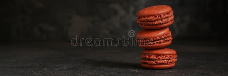 Macaron或蛋白杏仁饼干曲奇饼,鲜美点心 背景许多饺子的食物非常肉 免版税库存照片