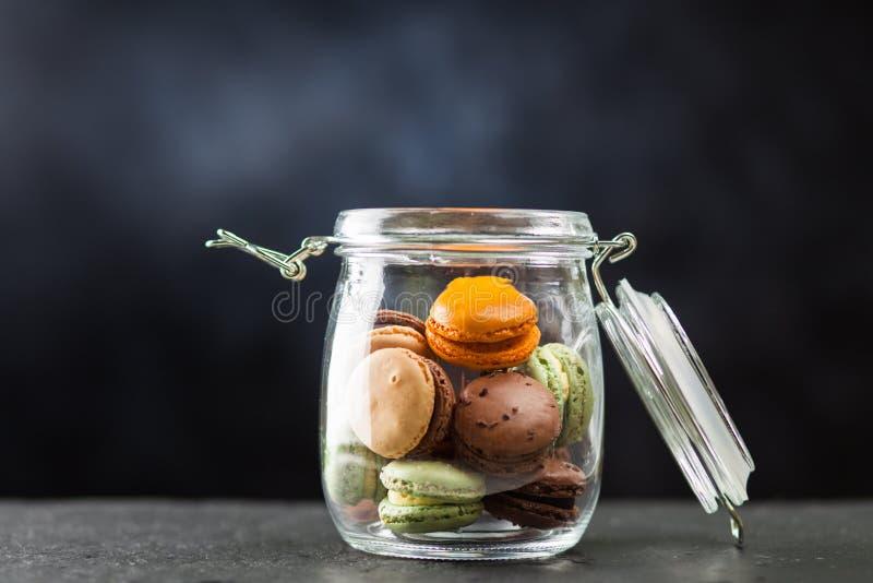 macaron曲奇饼的分类 免版税图库摄影