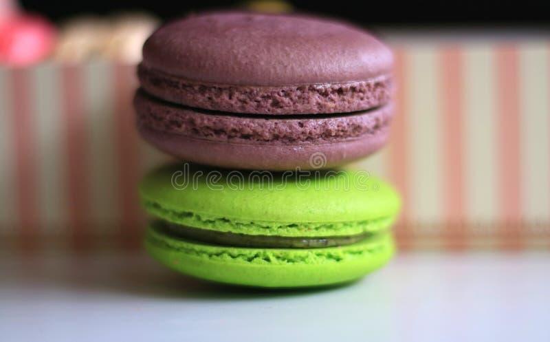 Macaron шоколада и зеленого чая стоковая фотография