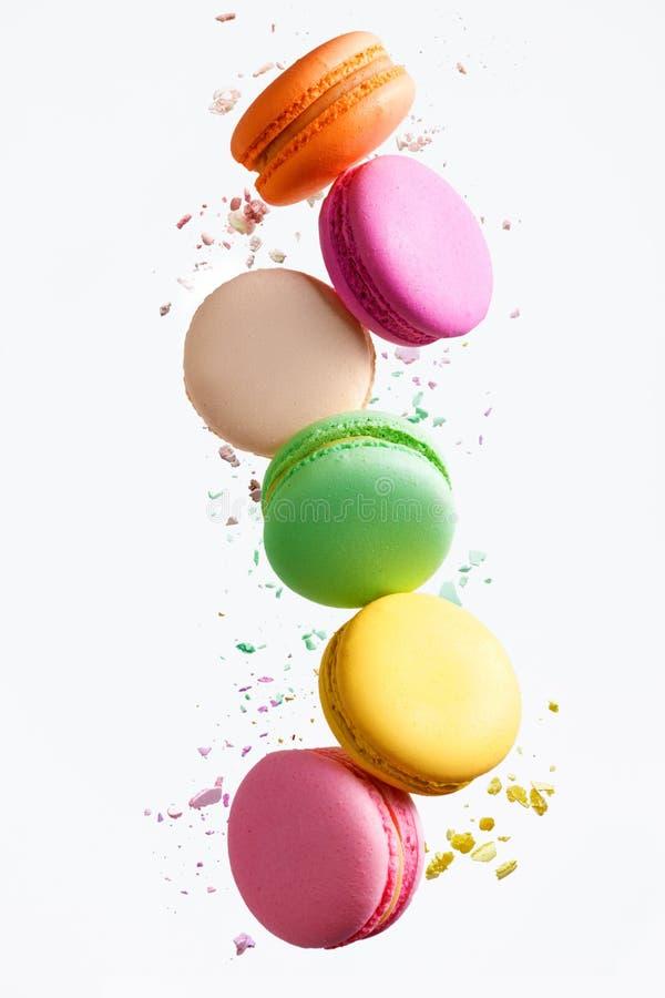 Macaron-Bonbons Buntes Makronen-Fliegen stockfoto