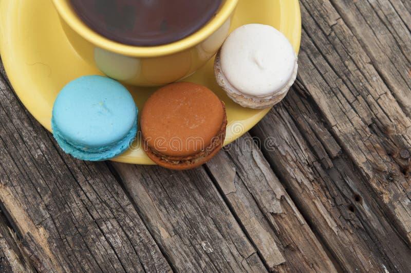 Macaron coloré images libres de droits