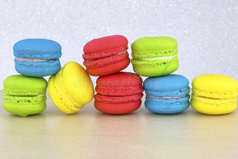 Macaron coloré savoureux images libres de droits