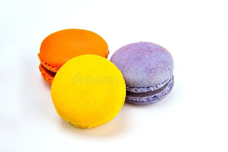 Macaron de la torta o postre francés de los macarrones, dulce y colorido, macarons coloridos franceses tradicionales foto de archivo libre de regalías