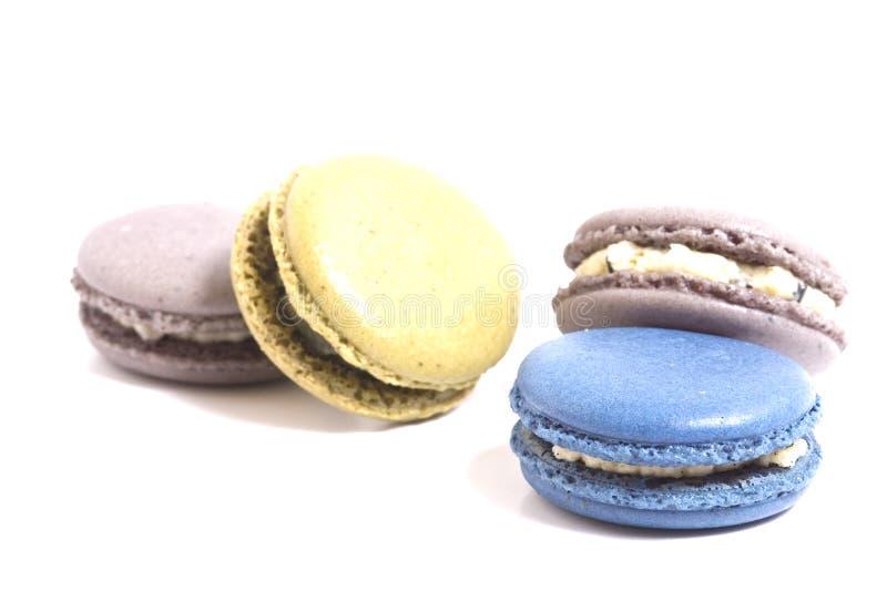 Macaron op wit wordt geïsoleerd dat stock foto