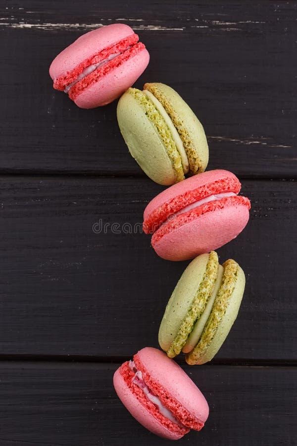 Download Macaron På Svart Med Kopieringsutrymme Fotografering för Bildbyråer - Bild av kräm, fransman: 78729957