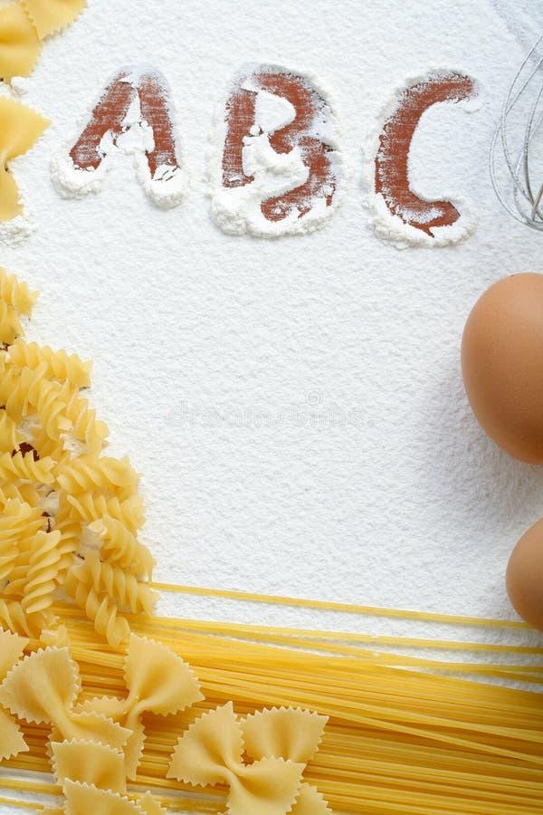 macaroni αλευριού αυγών άψητος &si στοκ φωτογραφία