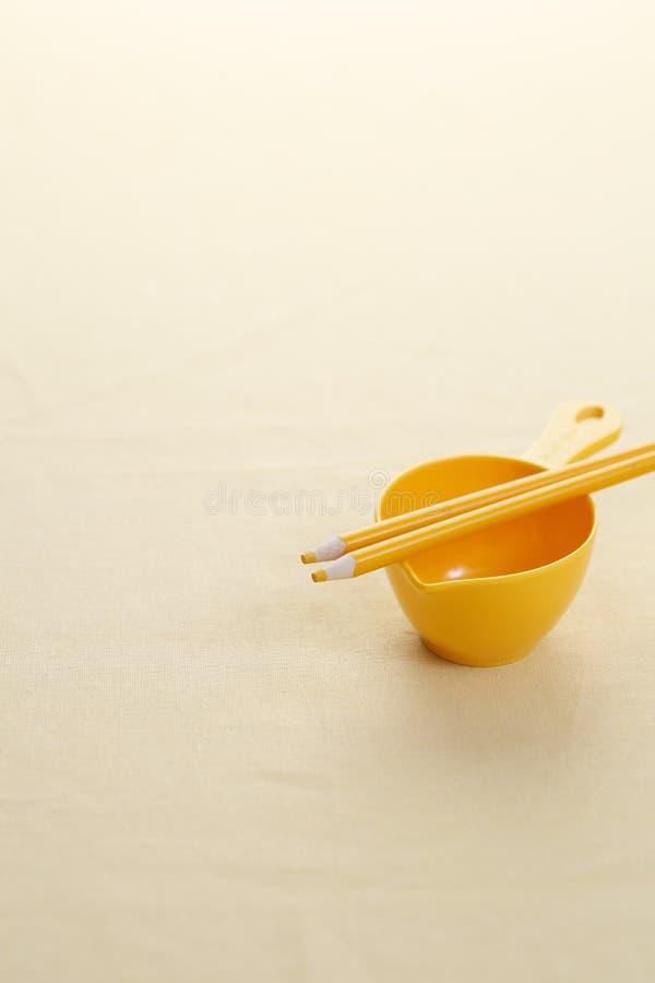 macaroni τροφίμων ανασκόπησης μωρών ακατέργαστο λευκό στοκ φωτογραφίες