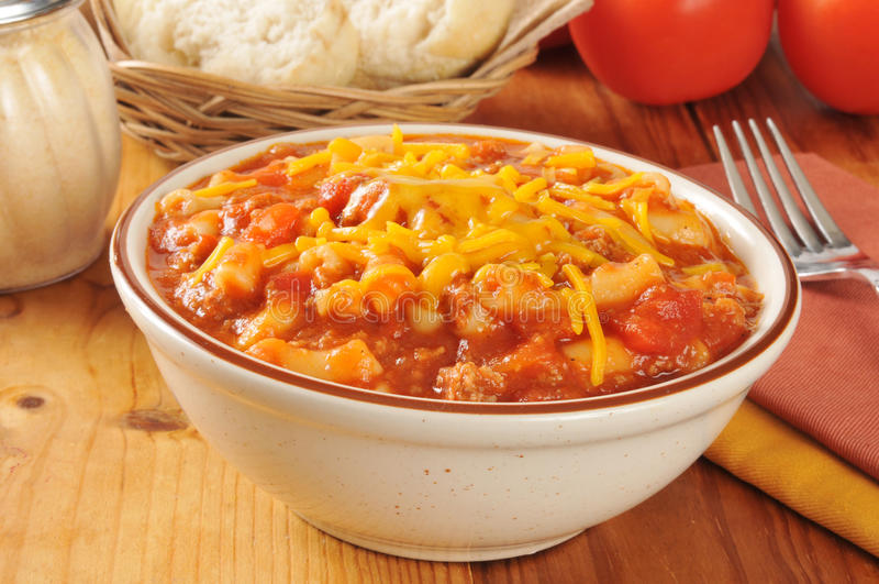 Macaroni met rundvlees en kaas stock afbeeldingen