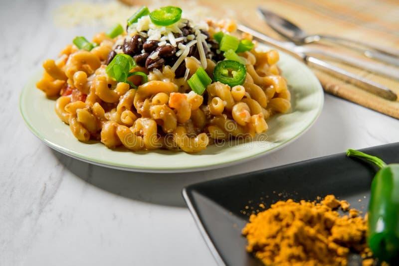 Macaronis au fromage de Taco photo stock
