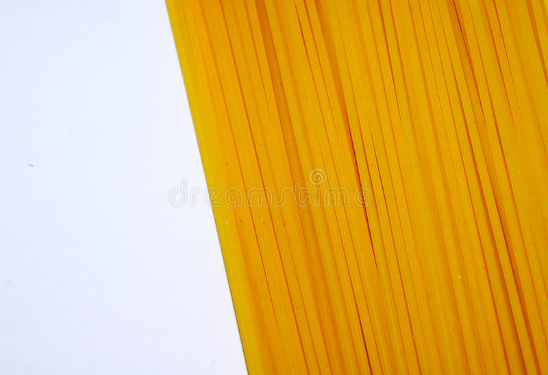 Macaronis crus de spaghetti de pâtes photographie stock