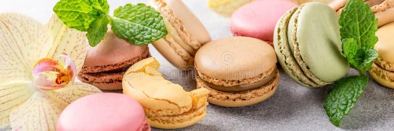 Macarons assortis par Français photographie stock