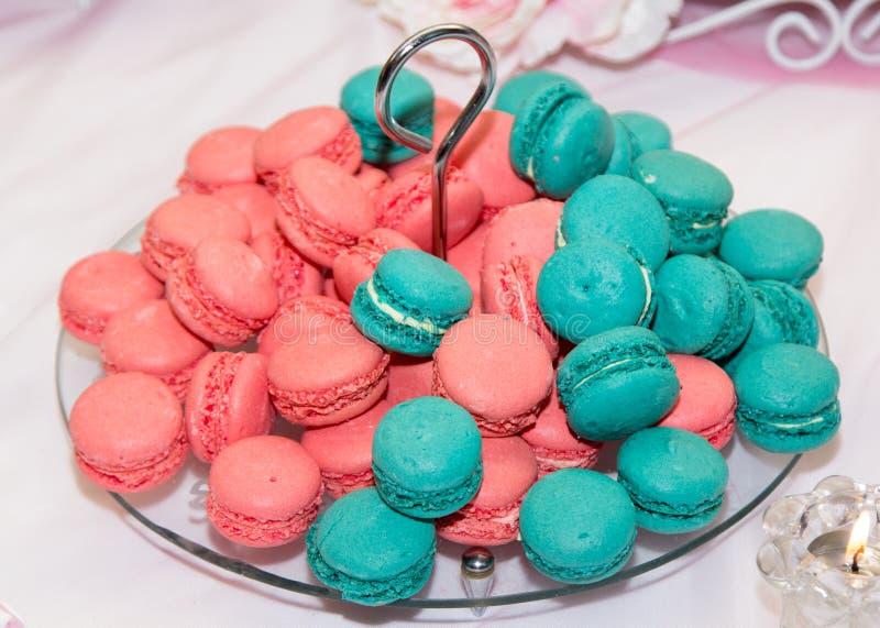Macarons colorés français traditionnels photographie stock libre de droits