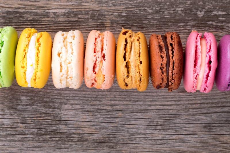 Macarons d'arc-en-ciel photographie stock