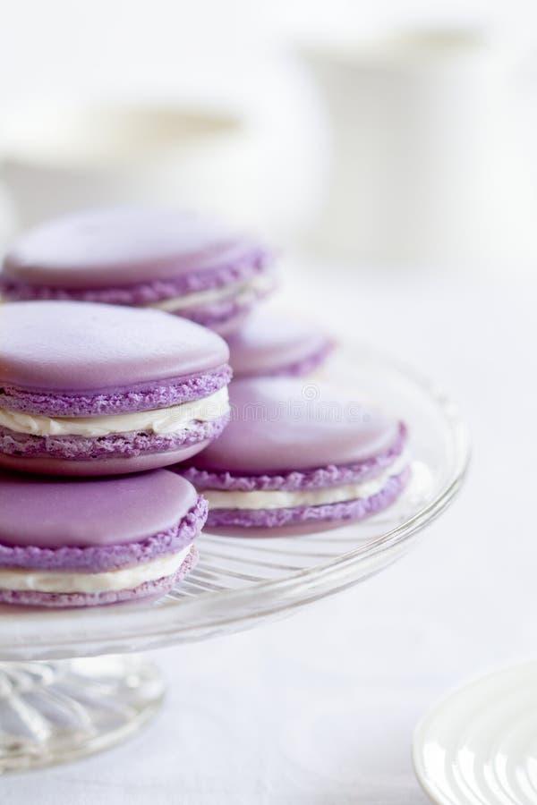 Macarons de la lavanda fotografía de archivo