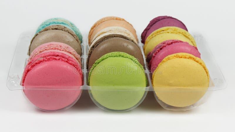 Macarons em um pacote fotografia de stock royalty free