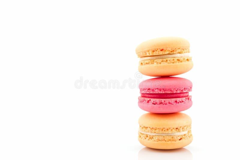 Macarons franceses doces e coloridos imagem de stock