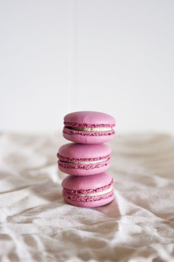 Macarons impilati fotografie stock libere da diritti