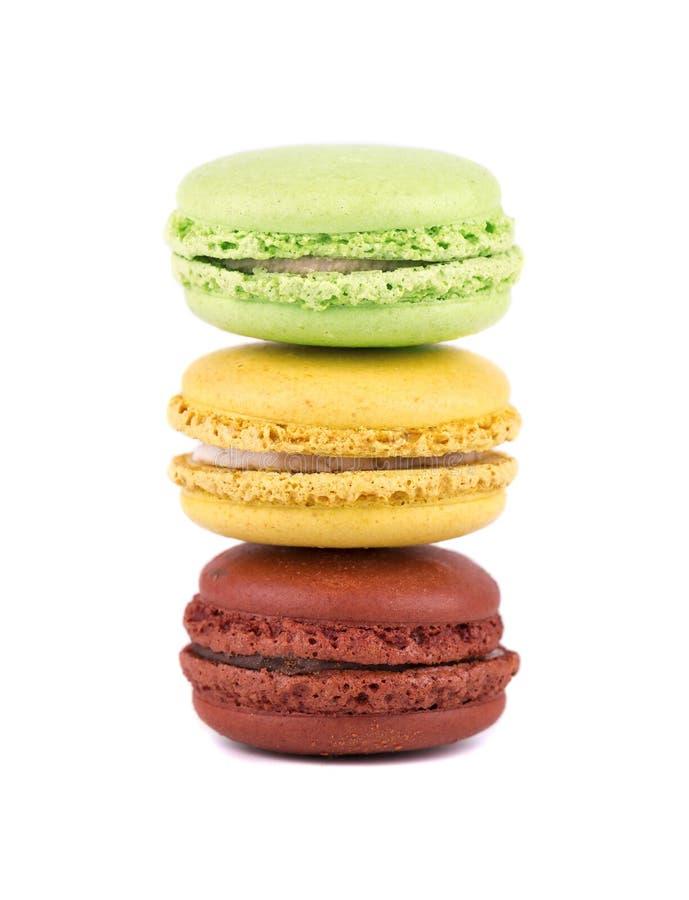 Macarons lokalisierte im weißen Hintergrund Bunte Makronen Süße macarons stockfoto