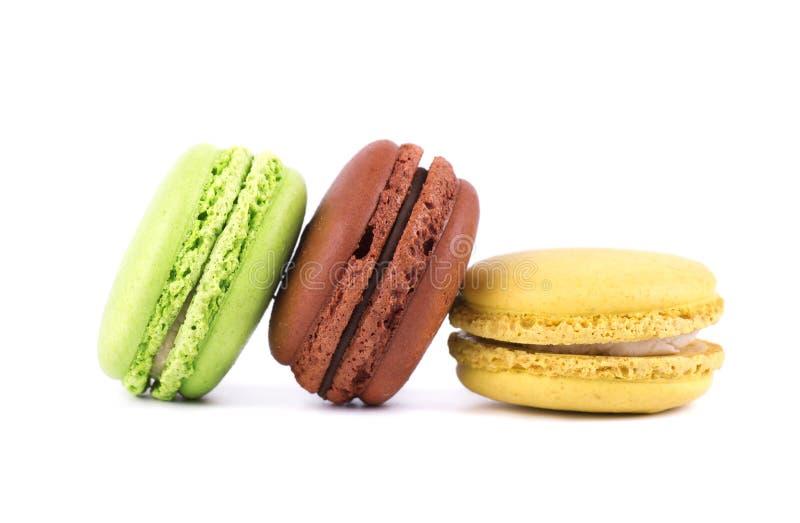 Macarons lokalisierte im weißen Hintergrund Bunte Makronen Süße macarons lizenzfreies stockbild