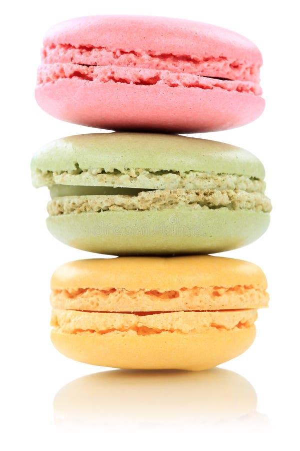 Macarons-Makronen-Plätzchenstapel von Frankreich lokalisierte lizenzfreie stockbilder