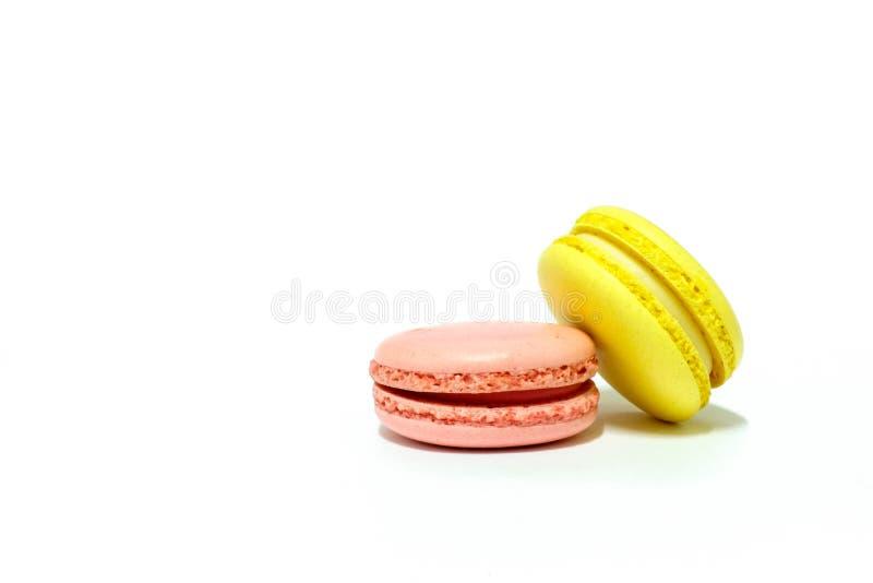 Macarons på vit bakgrund royaltyfri bild