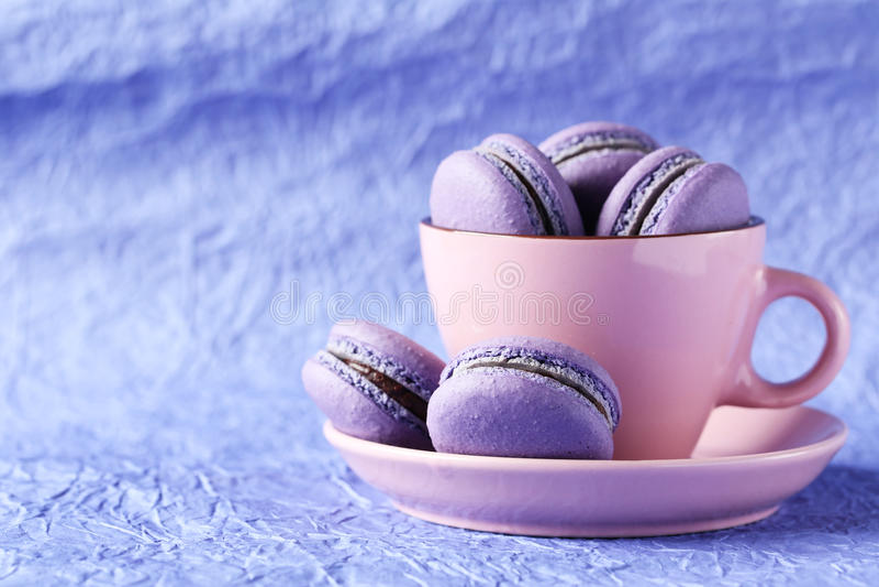 Macarons púrpuras foto de archivo