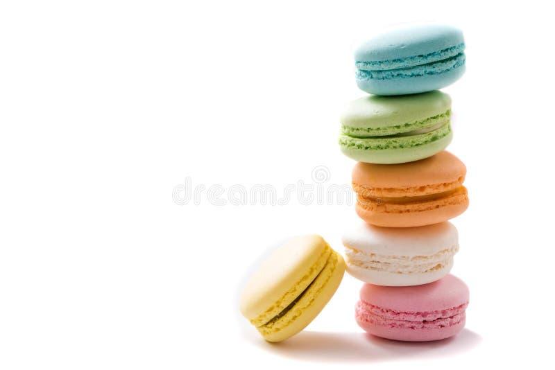Macarons sur le fond blanc photos libres de droits