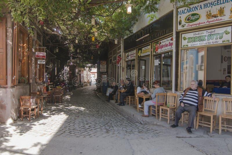 Macaronstraat in Ayvalik stock afbeeldingen