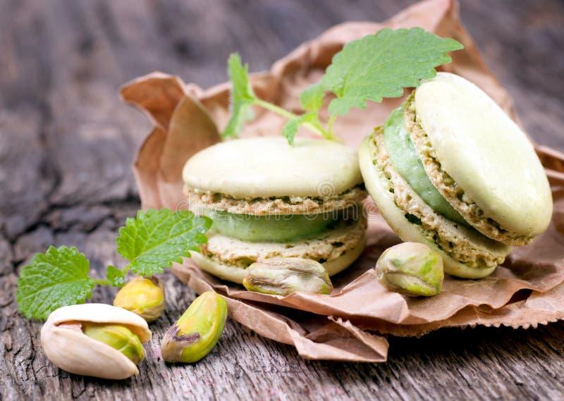 Macaroons com pistachio imagem de stock