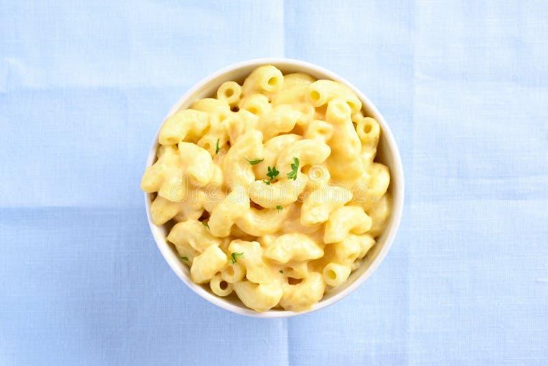 Macarrones con queso imagen de archivo