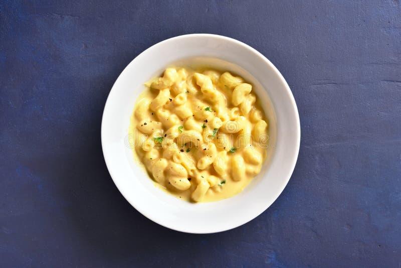 Macarrones con queso foto de archivo libre de regalías