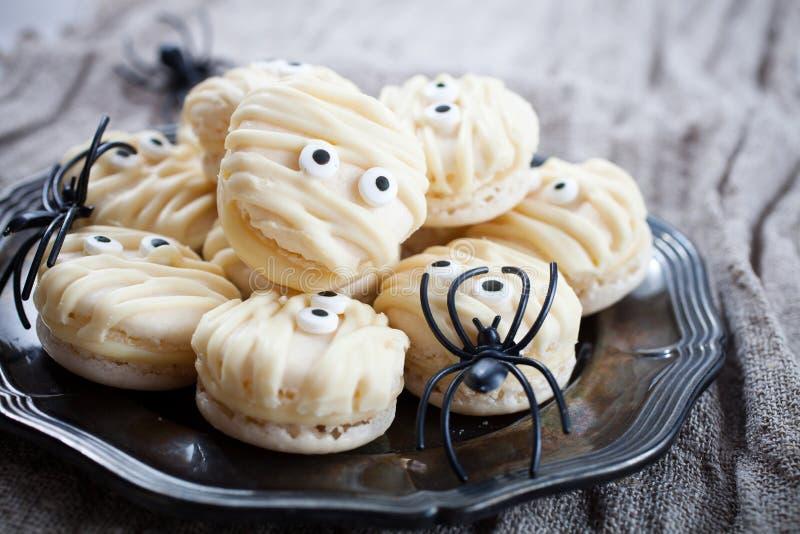 Macarrones de la momia para Halloween fotografía de archivo