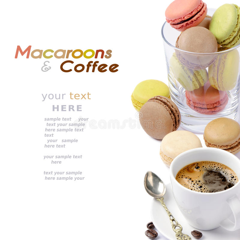 Macarrones y café imagenes de archivo